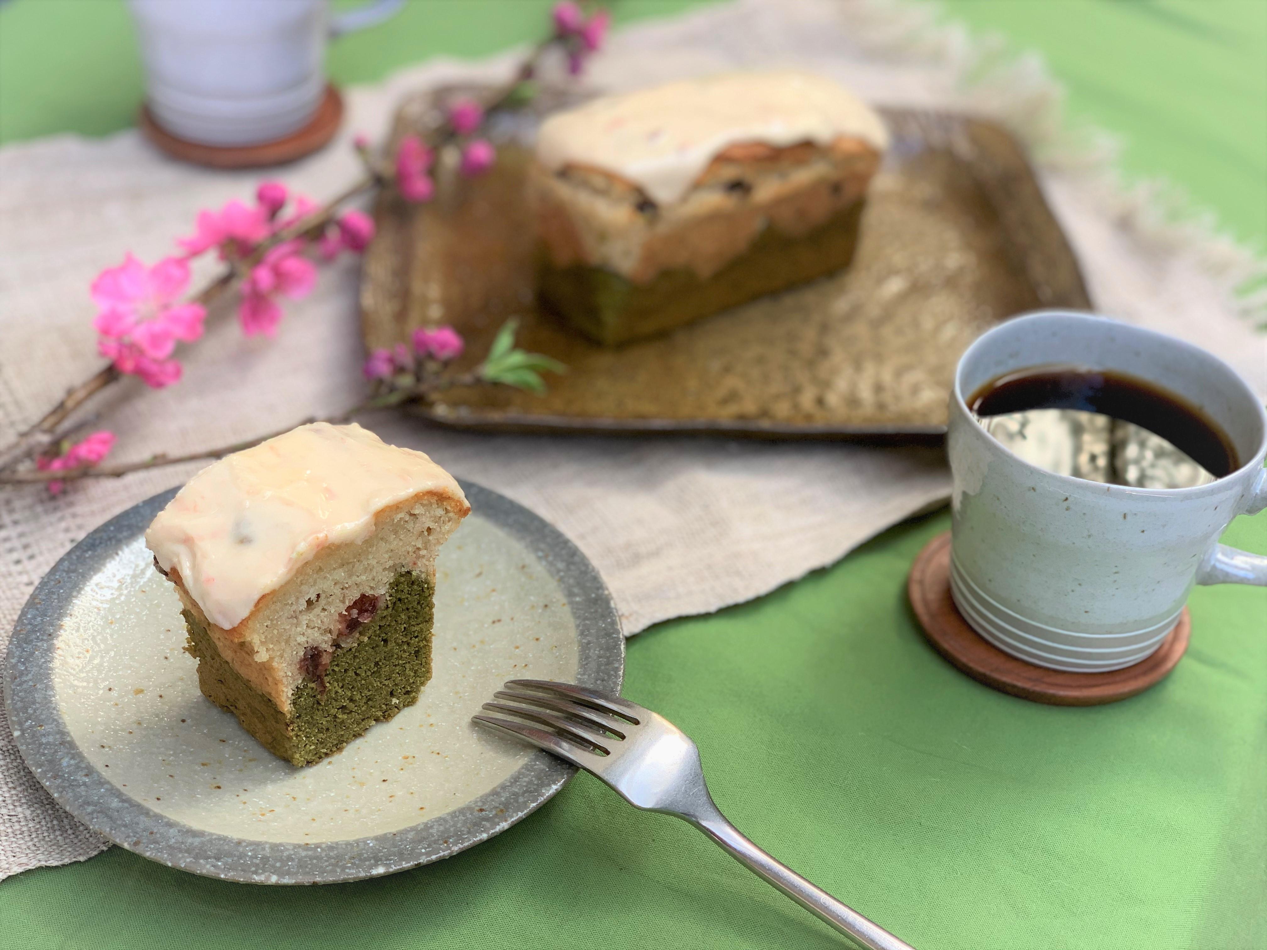 〔ホール販売@ウェブショップ〕桜・さくらんぼと緑茶の2層仕立てのケーキ