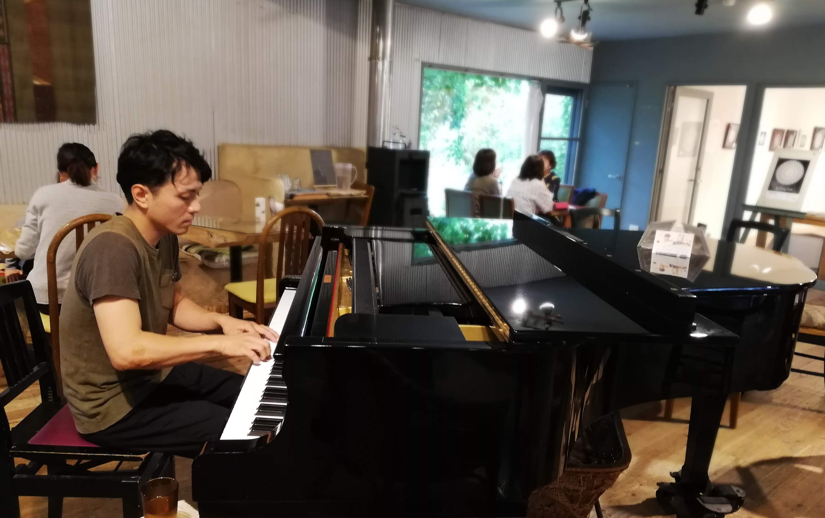 次回1/18土曜『はしむかいゆうき Sunday slow cafe music』毎月1回